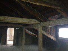 Neubühlauer Straße 2 - der Dachboden vor Komplettsanierung