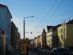 Blick in die Pennricher Straße (rechts das Mehrfamilienhaus Nr. 32)